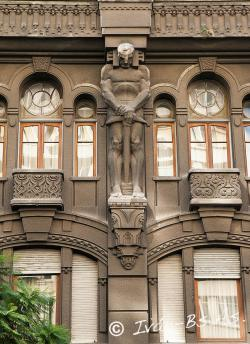 Atlas-sculptuur-Otto-Wulff-gebouw-Buenos-Aires