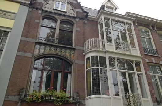 Gevel_Lorrie_Huis_Smidswater_26_Den_Haag_neogotiek_art_nouveau