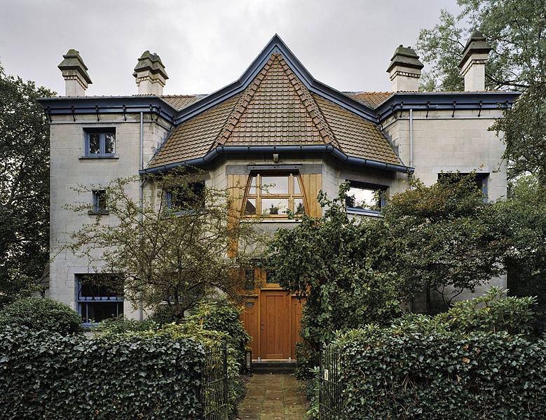 Huis de zeemeeuw staat te koop anno