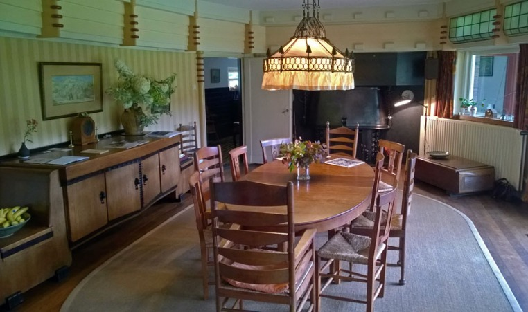 woonkamer interieur landhuis t reigersnest in oostvoorne ontwerp vorkink en wormser stijl amsterdamse school