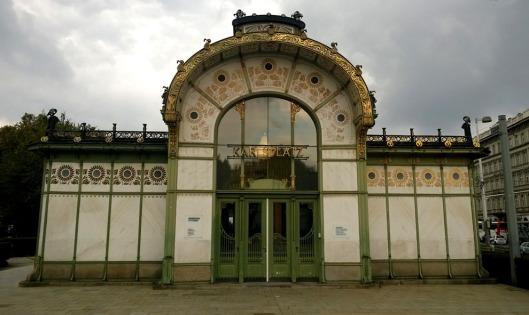 Karlsplatz_Otto_Wagner_paviljoen_station_metro_jugendstil_Wenen_Vienna