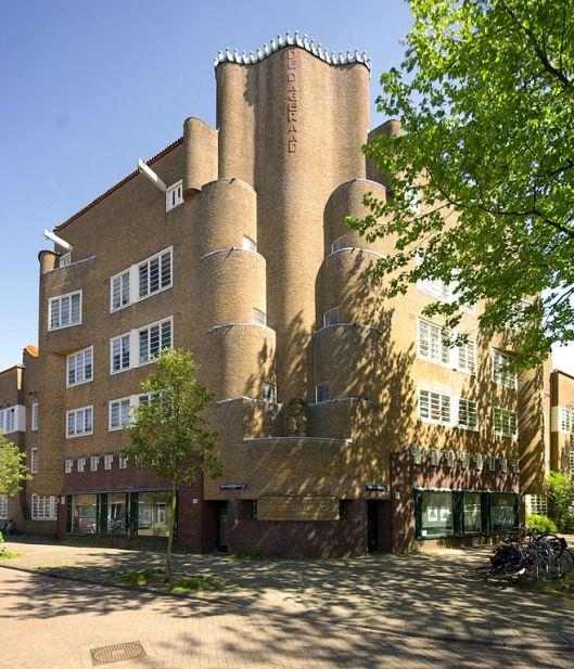 Gevel De Dageraad Amsterdamse School